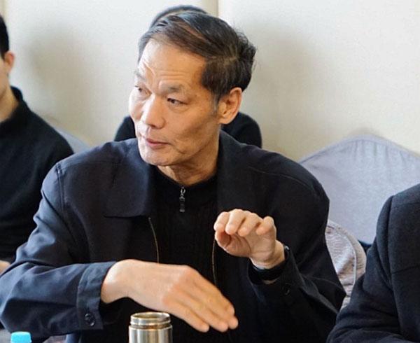 中国殡葬协会顾问杨世森参与讨论